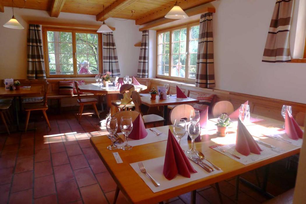 Restaurant Hotel Ucliva perfekt für Skiferien mit Kindern in Graubünden