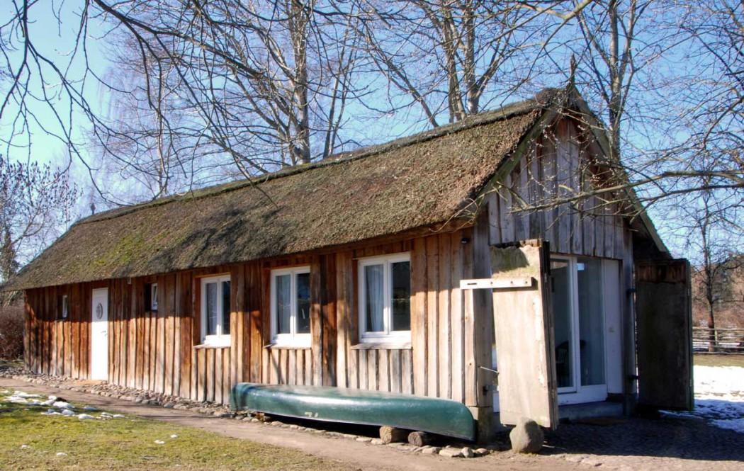 Urlaub-mit-Kindern-in-Mecklenburg-Vorpommern-Haus-am-Neukloster-see-Bootshaus