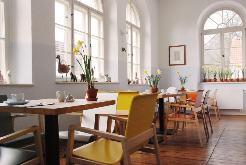 Kurzurlaub-mit-Kindern-Mecklenburg-Vorpommern-Fruehstuecksraum-Kavaliershaus