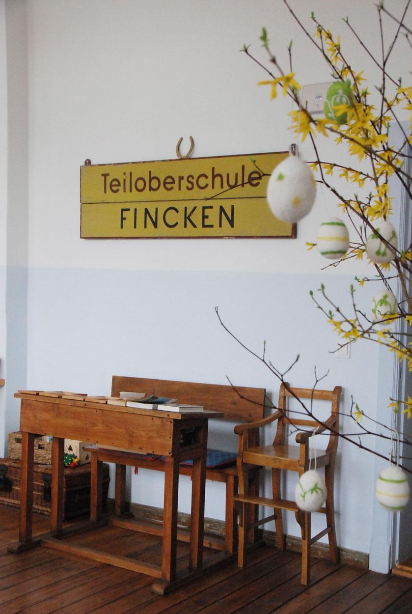 Kurzurlaub-mit-Kindern-Mecklenburg-Vorpommern-Schultisch-Kavaliershaus