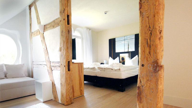 Kurzurlaub-mit-Kindern-Mecklenburg-Vorpommern-Bett-Suite-Kavaliershaus