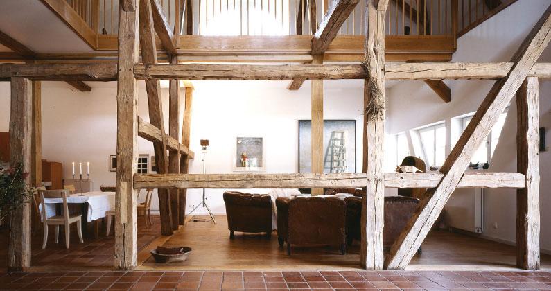 Urlaub-mit-Kindern-in-Mecklenburg-Vorpommern-Haus-am-Neukloster-See-Kunstscheune-Innen