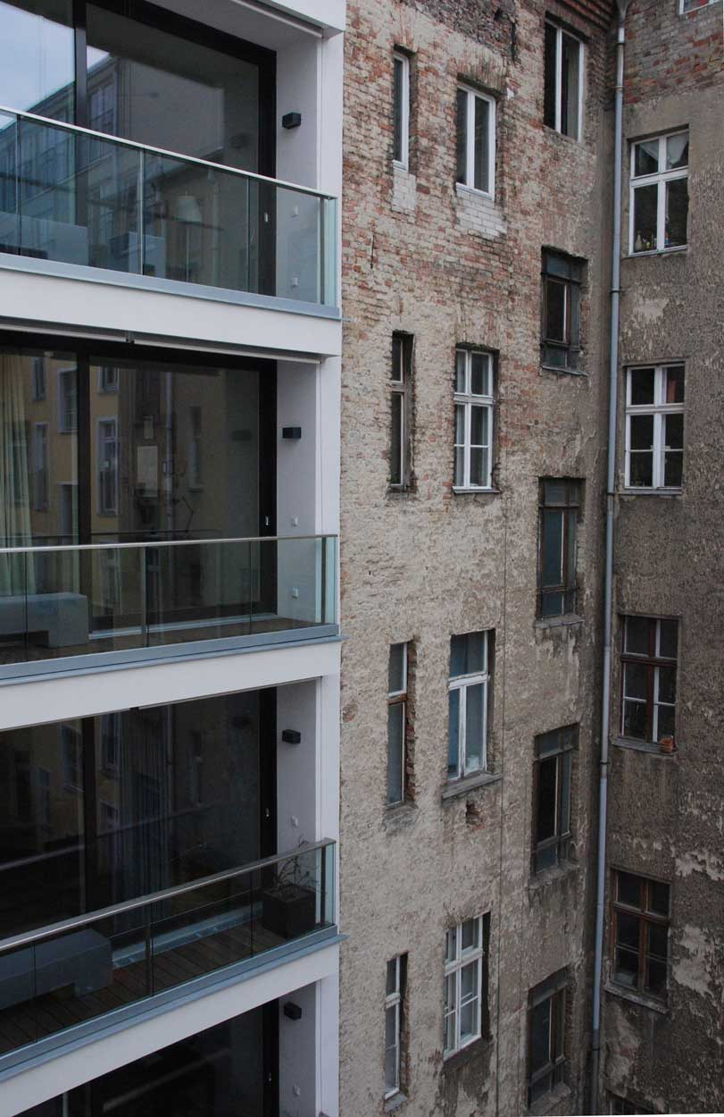 perfektes-appartment-in-berlin-mitte-ausblick-hinterhof