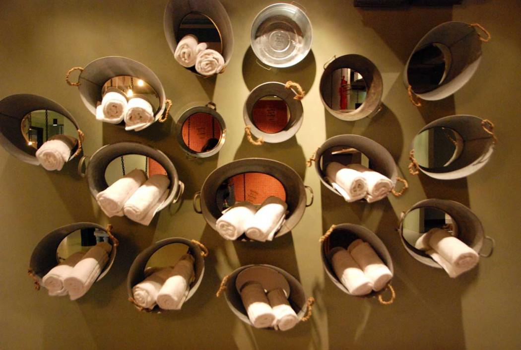 Wien-erleben-mit-Kind-25hours-hotel-sauna-handtuecher