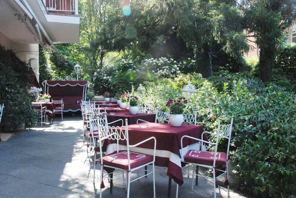 Terrasse vom Meisters Hotel Irma Wellnesshotel in Meran