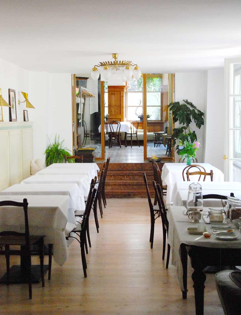 Urlaub mit Kindern in Meran Frühstücksraum im Ottmanngut