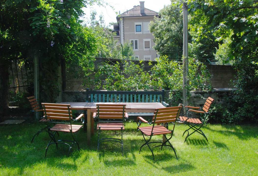 Im Garten Pension Ottmanngut in Meran