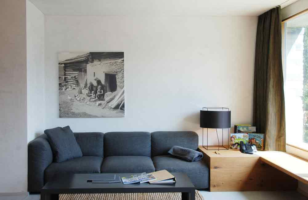 rocksresort-wohnbereich-Stylishe-Familienappartments-in-Laax
