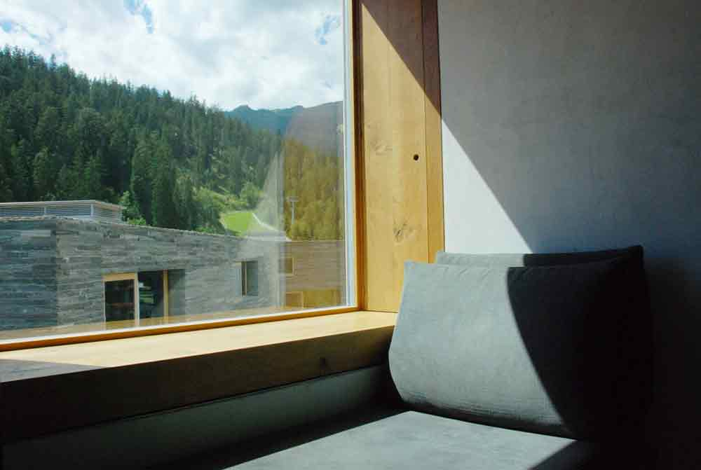 rocksresort-ausblick-Stylishe-Familienappartments-in-Laax