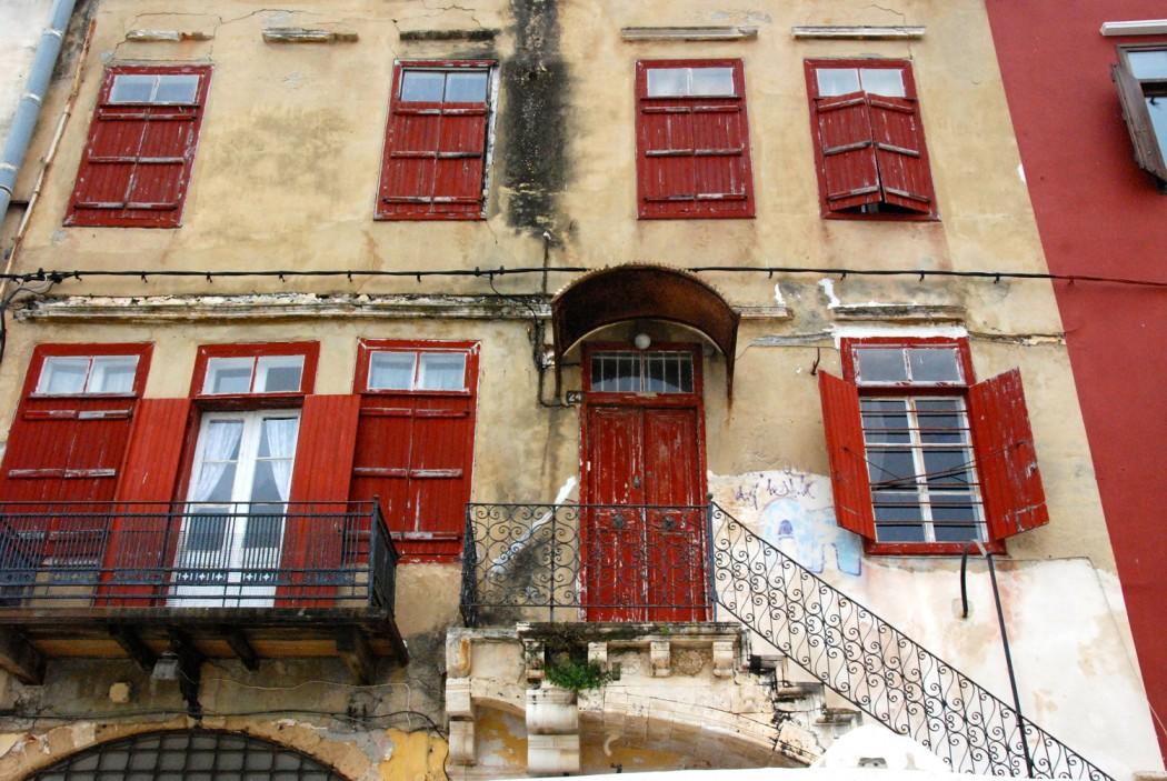 das beste hotel in chania entdeckt und alte haeuser am Hafen
