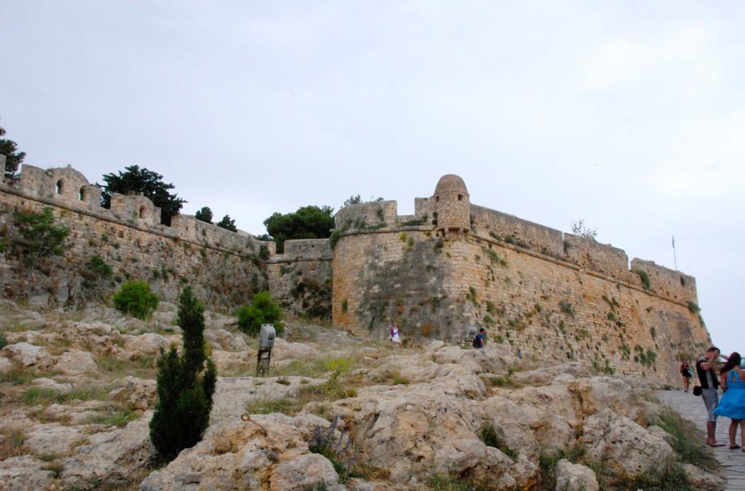Mit dem Auto unterwegs auf Kreta Festung auf dem Berg Rethymno
