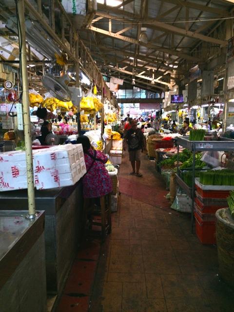mit dem Fahrrad durch Bangkok und ueber den Blumenmarkt