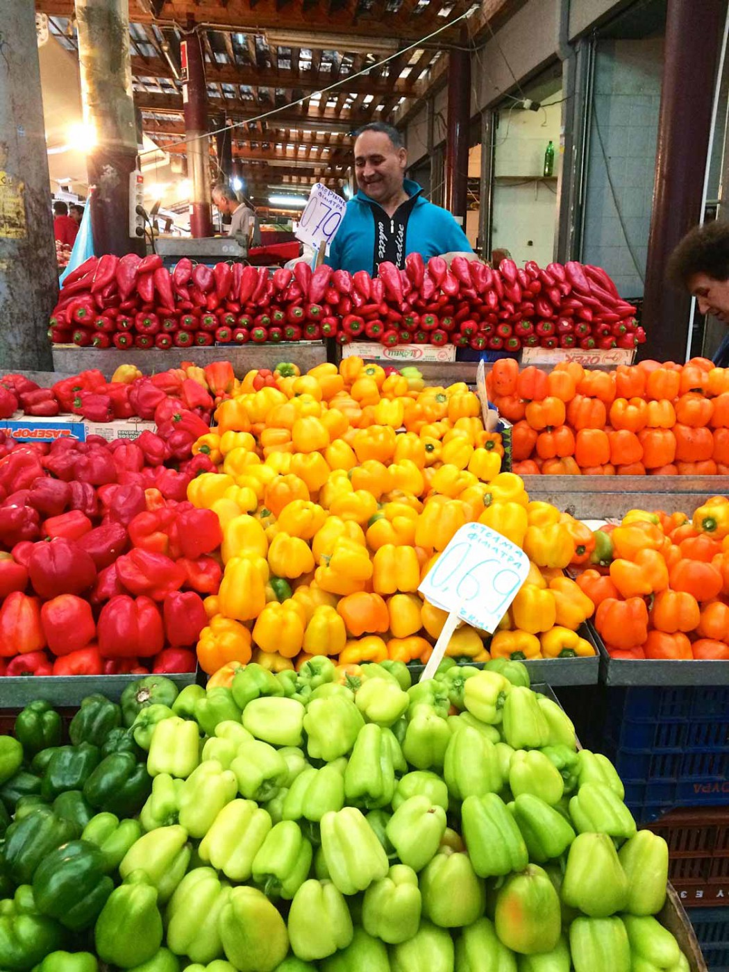 gemuese-markt-gourmet-mit-kindern-in-athen-smart-family-travel_3127