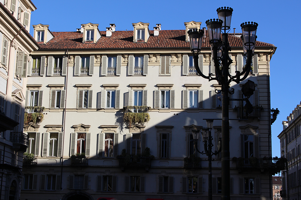 SFT_Turin_Fassade_Schatten