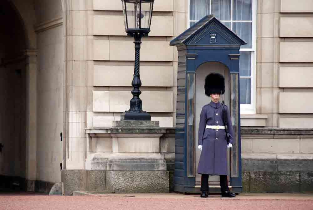 Buckinghampalace-london-mit-kind_7576