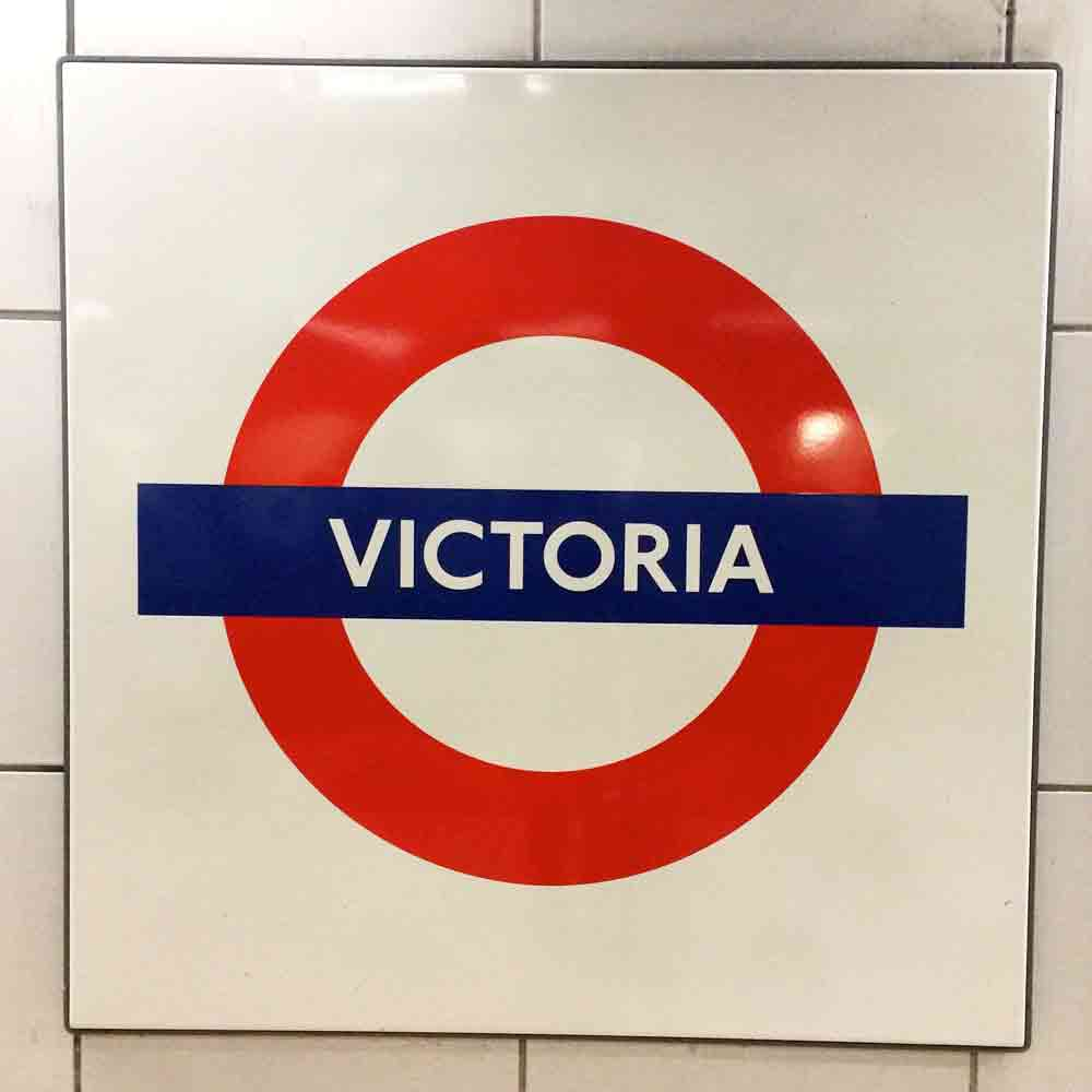 Victoria-station-london-mit-kind_4915