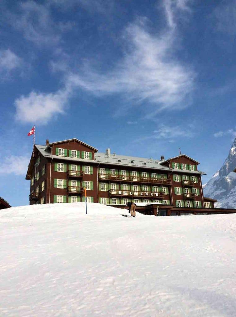 Hotel-Bellevue-des-Alpes-kleine-Scheidegg-looping-magazin