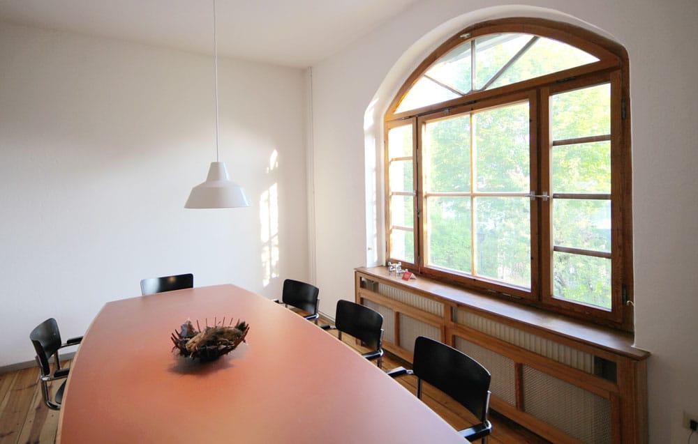 Großer Esstisch Villa mit Seeblick in Buckow Brandenburg