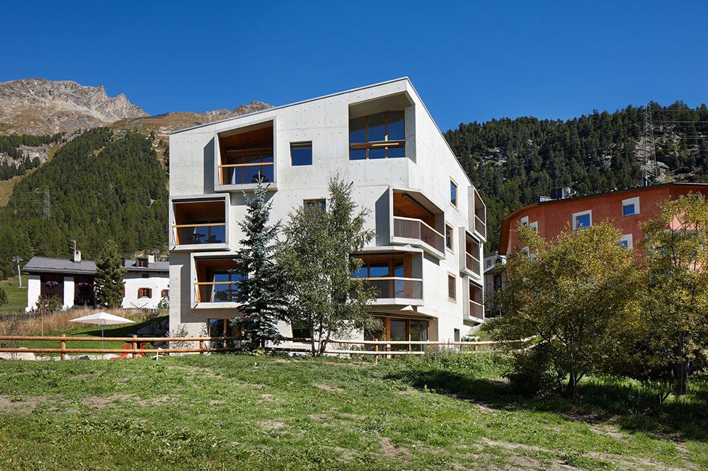 alpine-lodge-pontresina-chesa-Aussen-1
