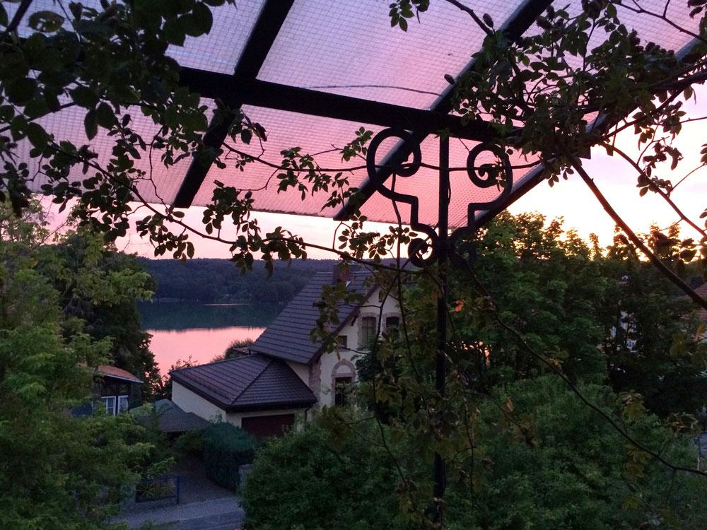 Abendrot kleine Villa mit Seeblick in Buckow