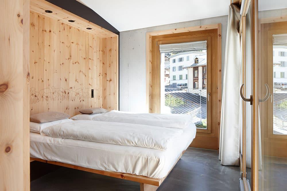 alpine-lodge-pontresina-chesa-C-Schlafzimmer-(2)