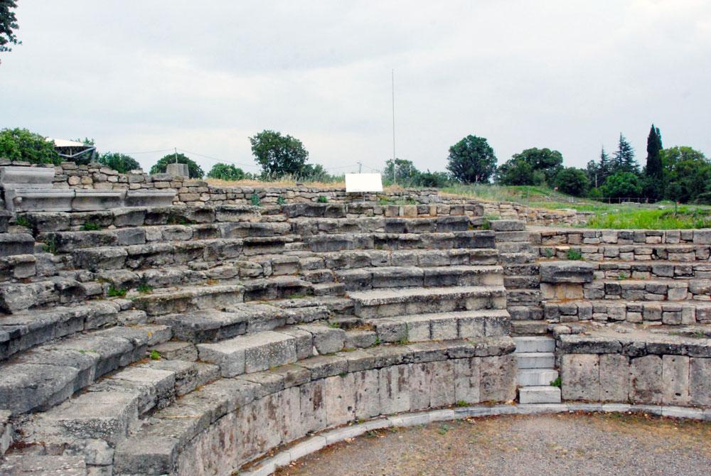 Rundreise durch die Westtürkei. Kleines Theater in Troja