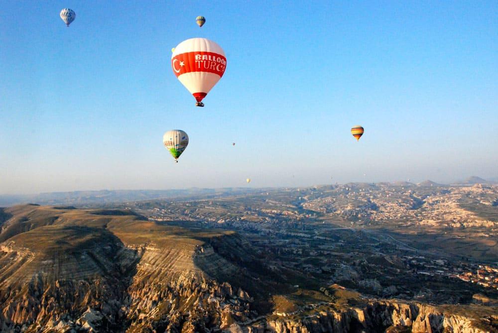 Schwerelos schweben in der Luft Ballonfahrt Kappadokien