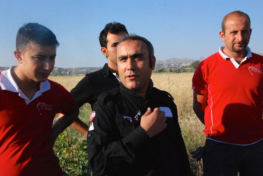 Stolzer Kaptän und sein Team nach der Ballonfahrt in Kappadokien