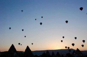 Ballonballett im Morgengrauen.