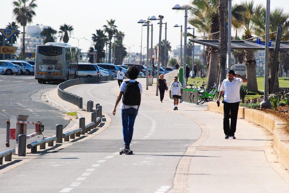 Strandpromenade-tel-aviv-Radweg