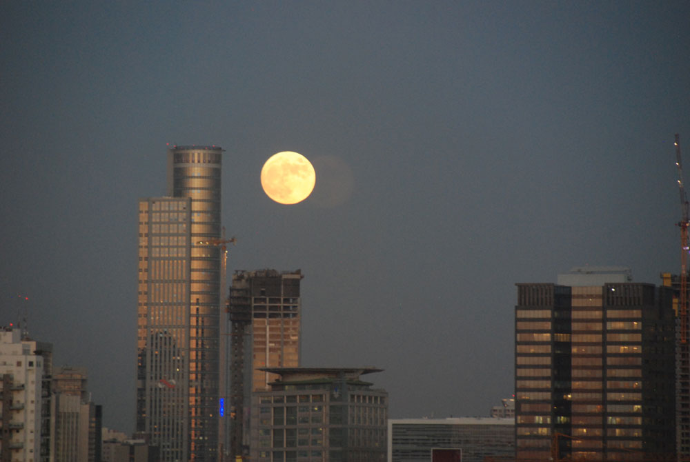 Vollmond-tel-aviv