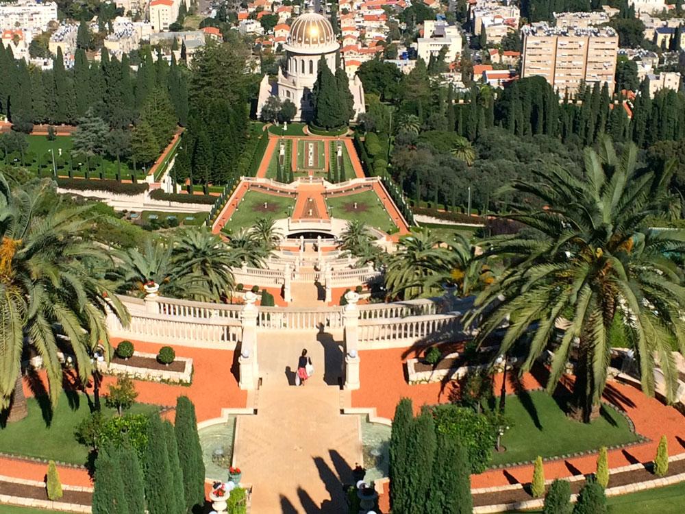 Unvergessliche-Rundreise-durch-Israel-bahai-garden-ausblick