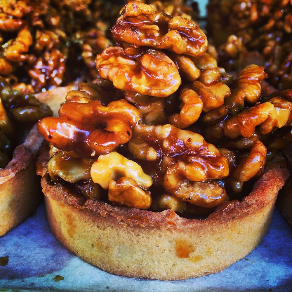 carmel-markt-tel-aviv-nusskuchen