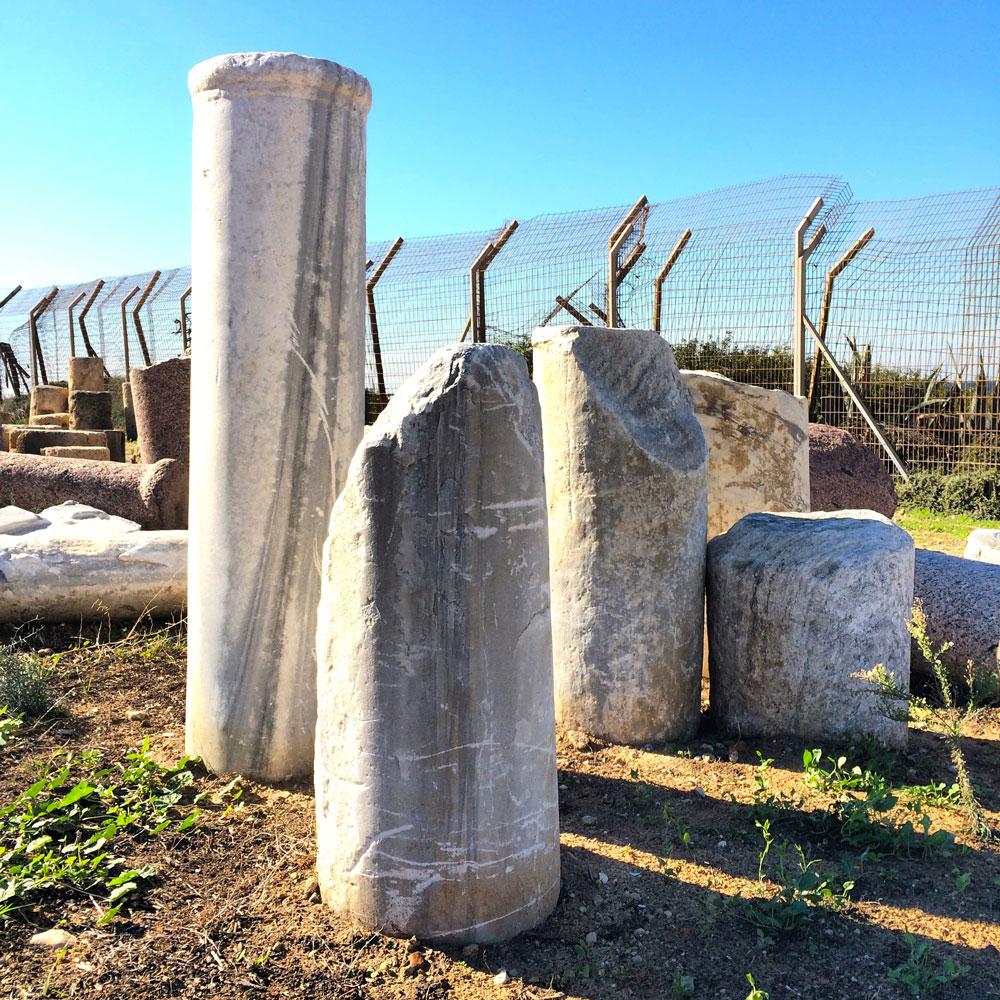 spannende Rundreise durch Israel ©looping-magazin Säulen von Cesarea