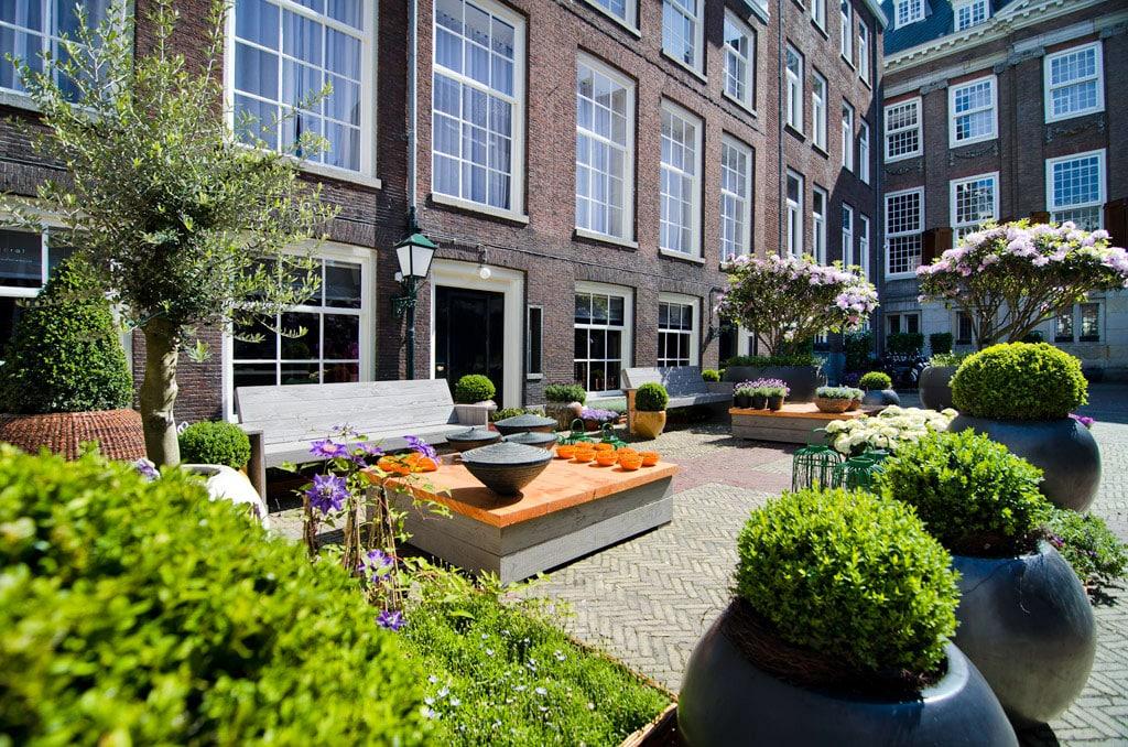 Sofitel-Legend-The-Grand-Amsterdam-sonniger-innenhof
