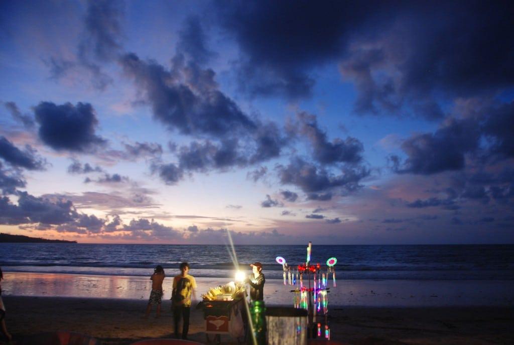 Strandverkaeufer-Bali