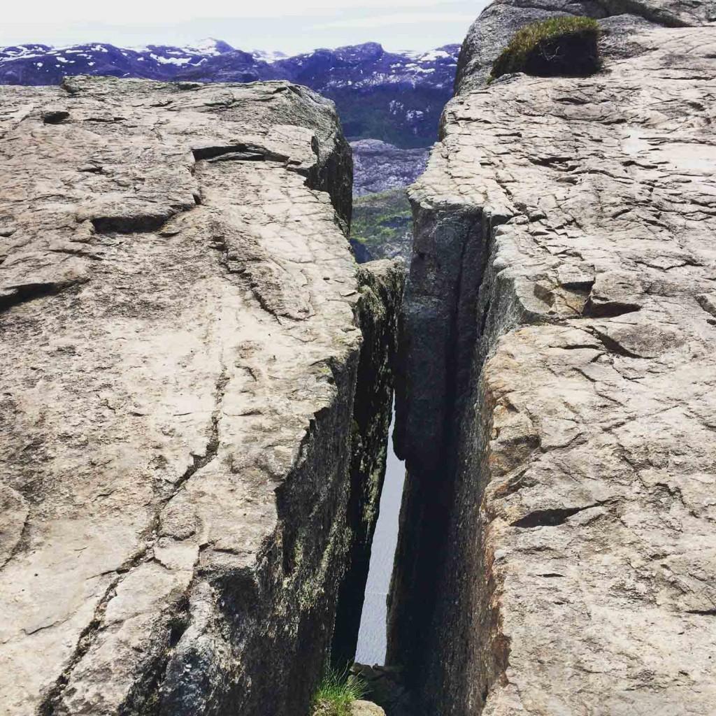 Felsspalte-Preikestolen-Norwegen