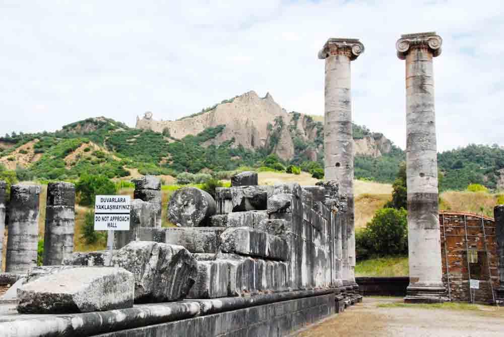 Saeulen-Artemistempel-sardes