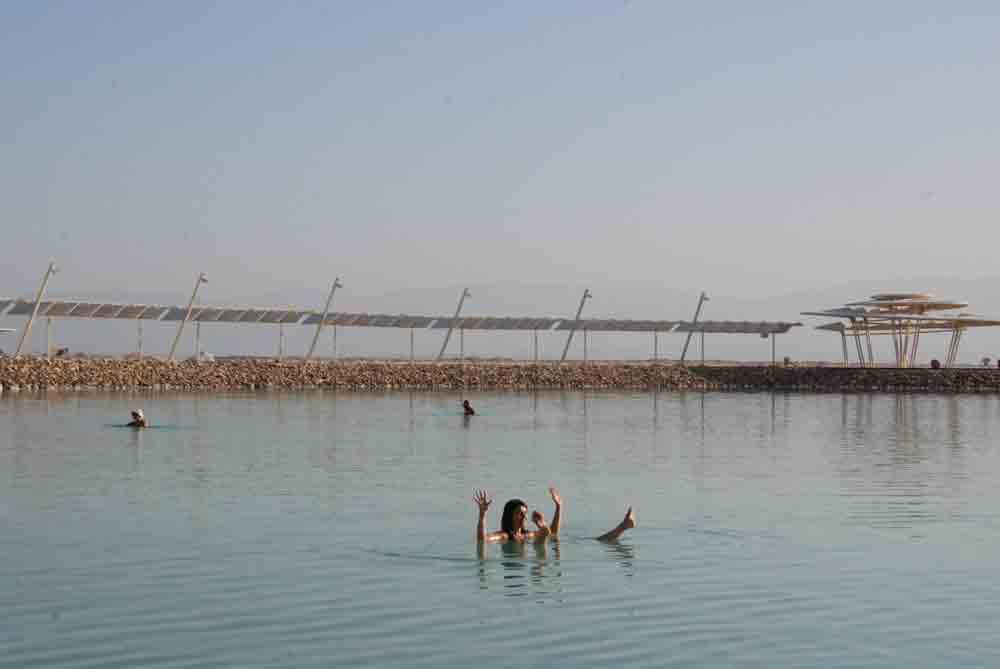 Reisebericht Israel baden im Toten Meer