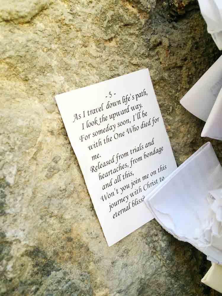 Israel Rundreise Zettel in der Klagemauer Jerusalem