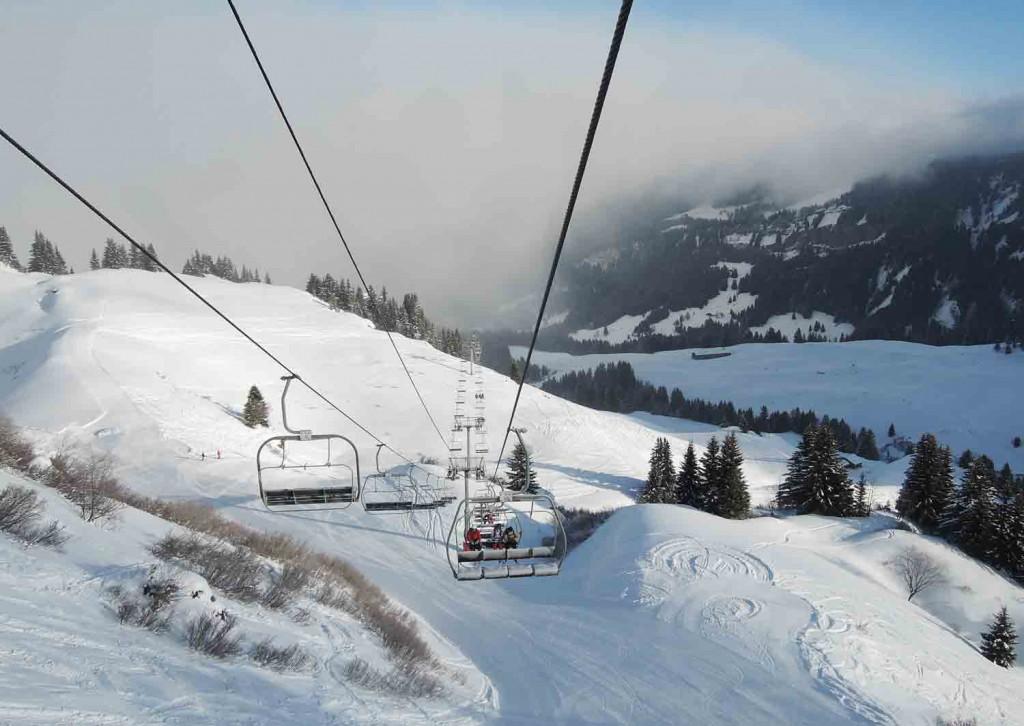 skifahren-in-frankreich-old-school-sessellift