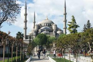 Istanbul classics: Blaue Moschee, Zisterne und Shisha rauchen.