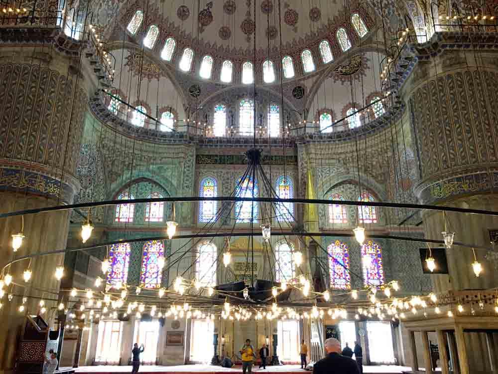 Blaue-Moschee-Innenraum-©looping-in-Istanbul