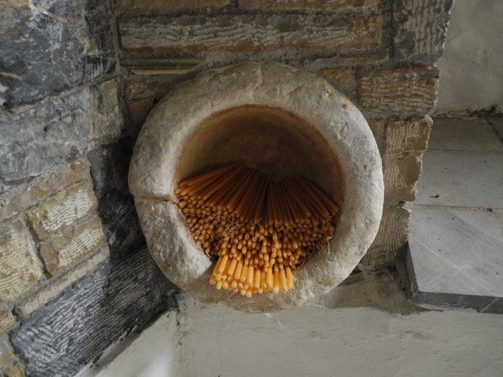 Kerzen-in-der-kirche-griechische-insel-Samos-©looping