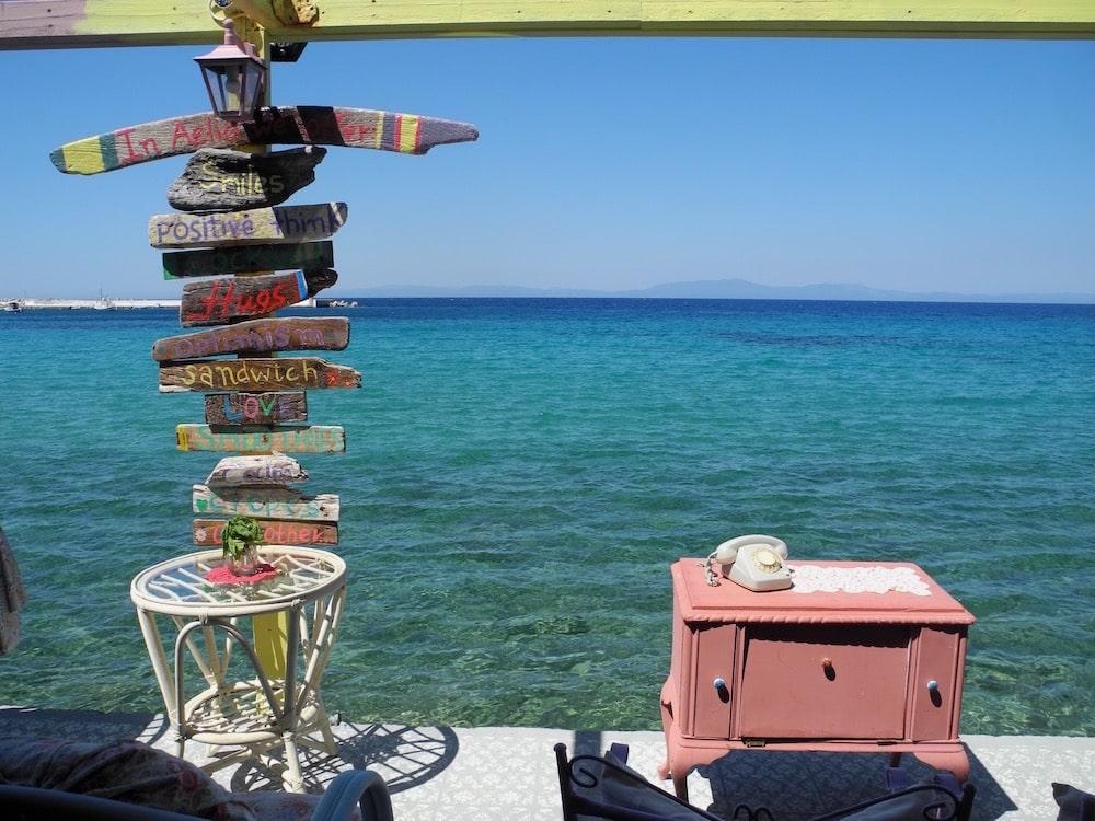 Cafe am Meer auf Samos – der wilde Norden ©looping-magazin