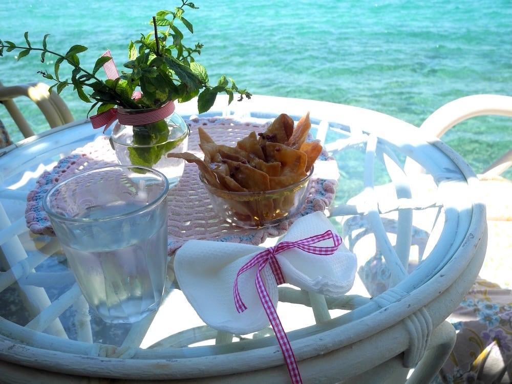 Cafe direkt am Meer Samos – der wilde Norden ©looping-magazin