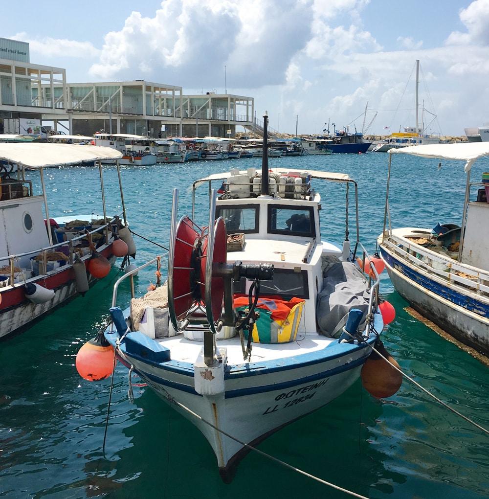 Fischerbbot-hafen-von-Limassol-zypern-©looping-magazin