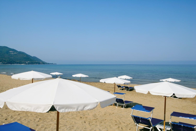 Beach-at-Palazzo-Belmonte-(2)
