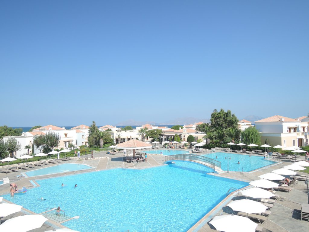 kos-neptune-hotel-pool-©looping-magazin