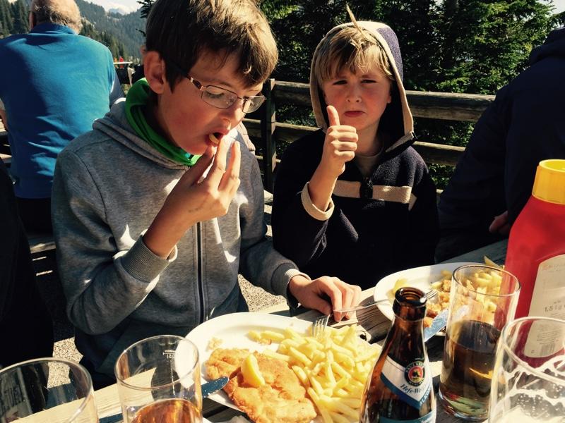 Wandern mit Kindern: Hüttenpause
